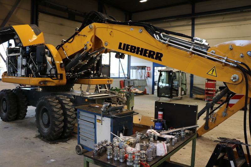 revisie machines: graver wordt gebruiksklaar gemaakt